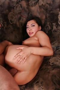 Elegant Puss Exhibits Her Thighs Wide To Take Fisting And Dick Cramming In Her Tight Ass Hole